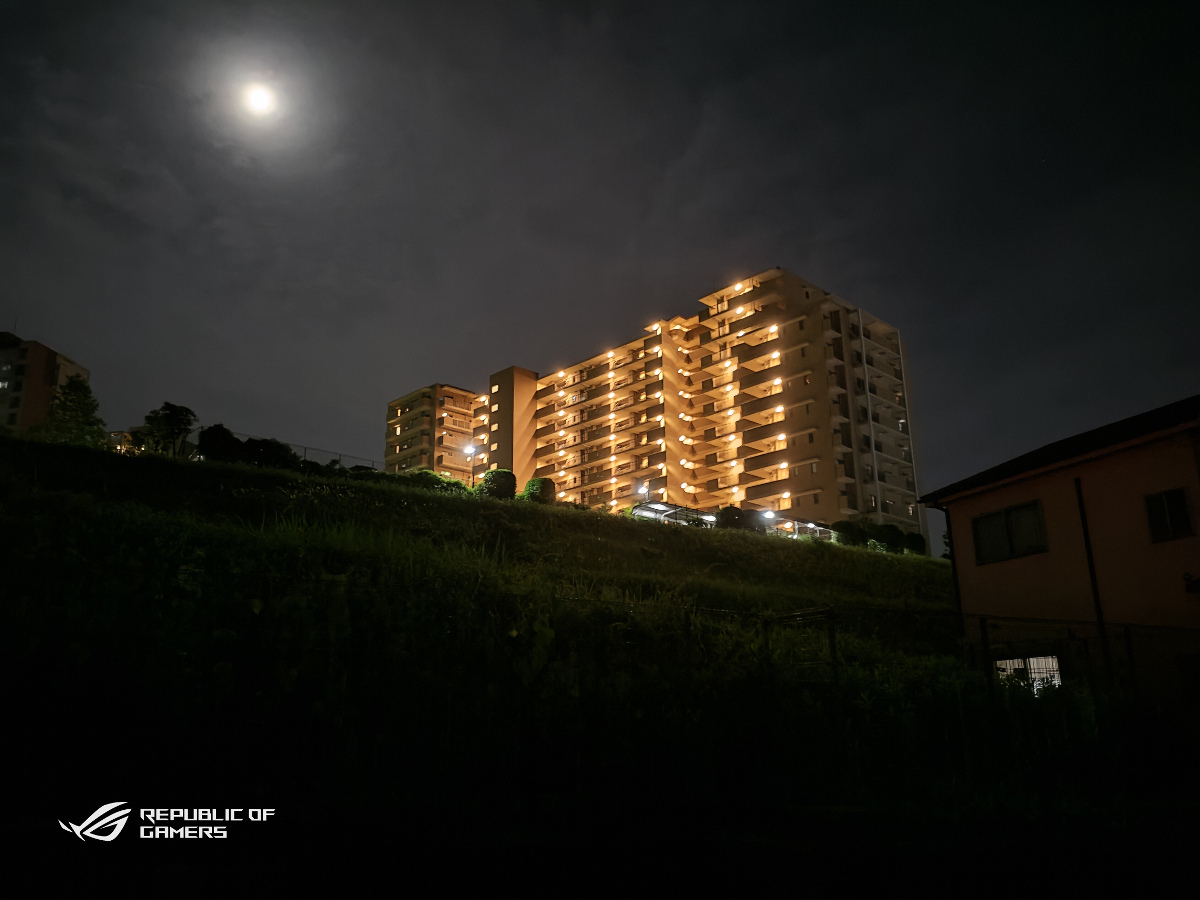 ASUS ROG Phone 5カメラ(13MP)夜景モード