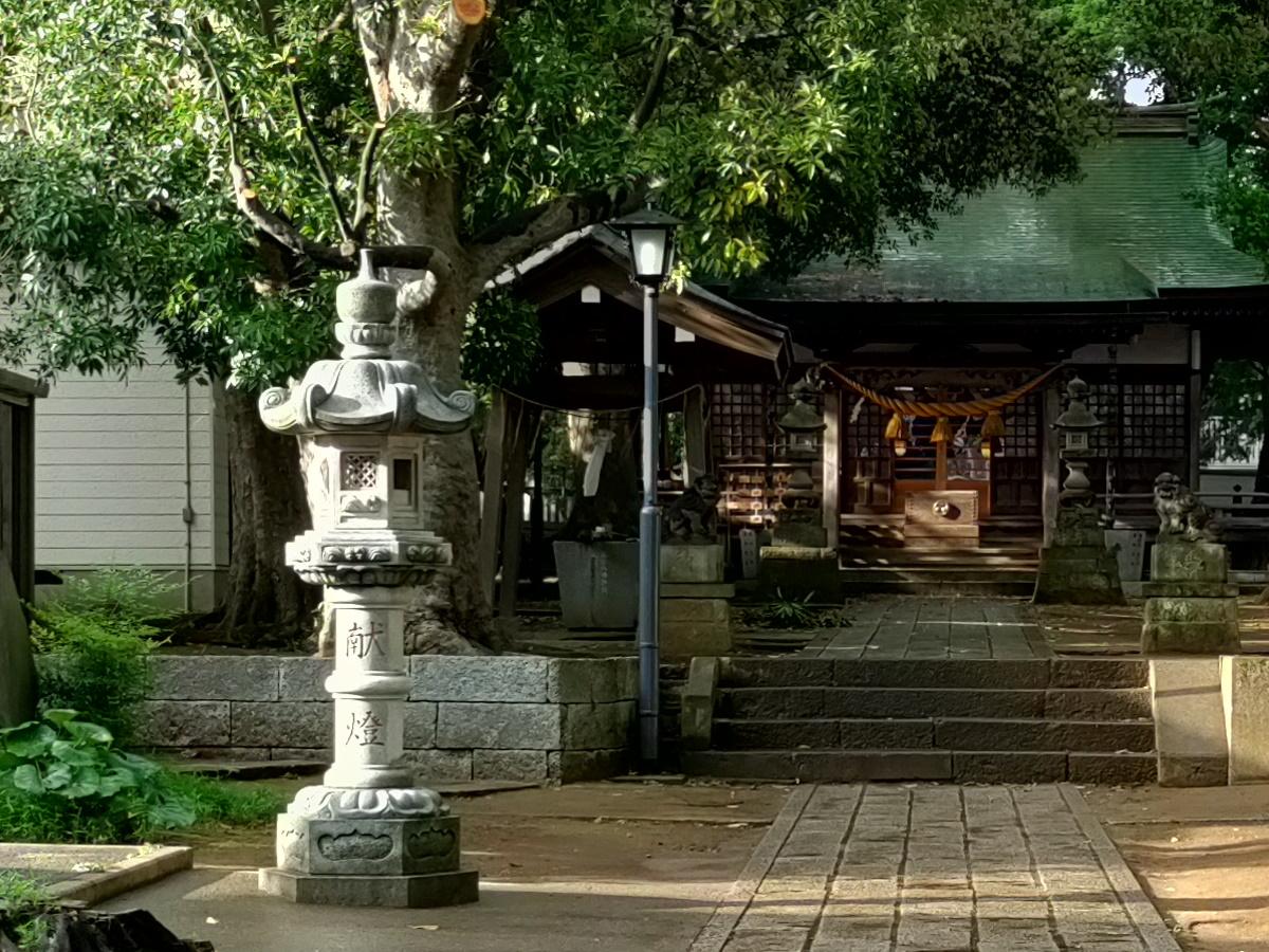 shrine_02_clip