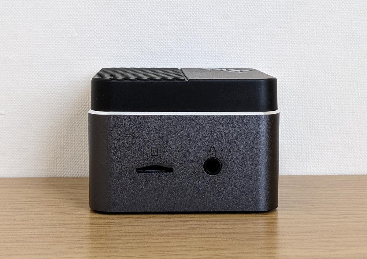 GMK NucBox 右側面