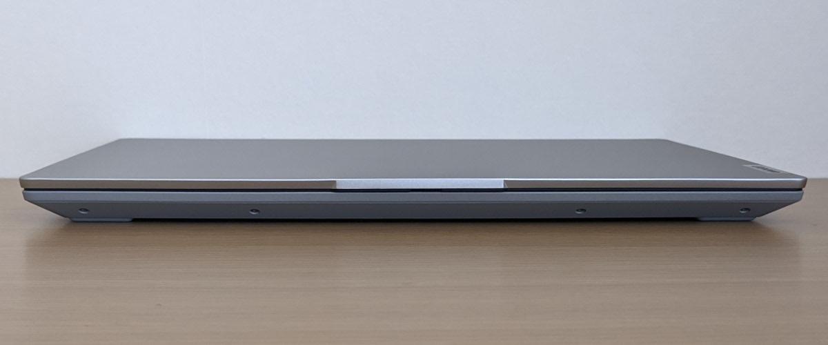 Lenovo IdeaPad Slim 550 14(AMD)前面