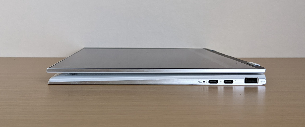 MSI Summit E13 Flip Evo タブレットモード側面