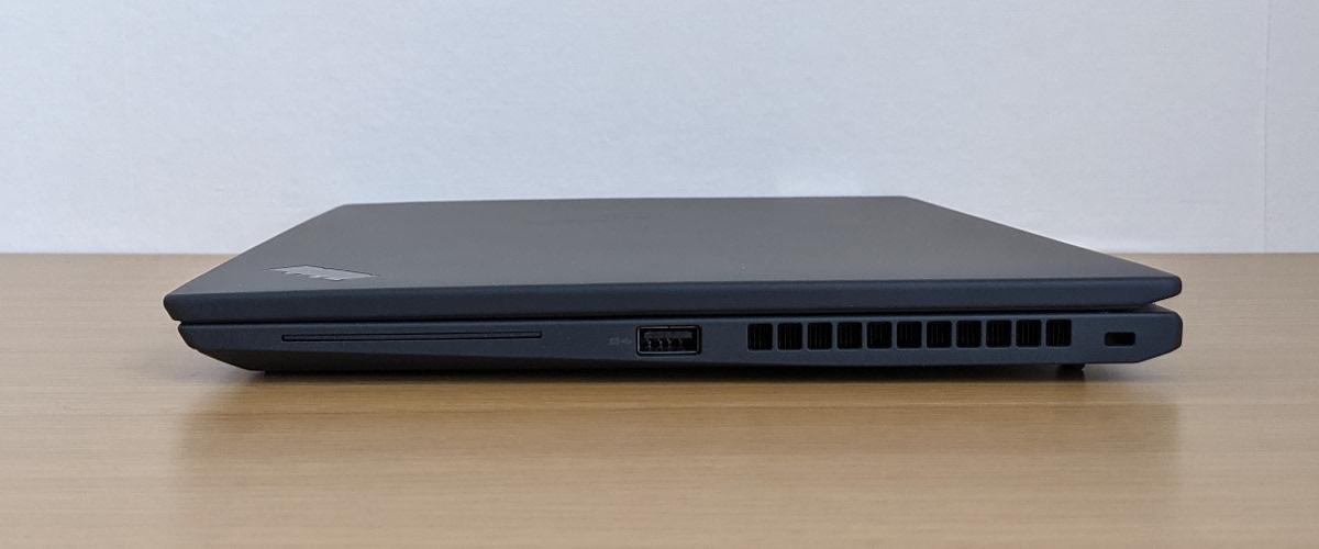 Lenovo ThinkPad X13 Gen 2 右側面