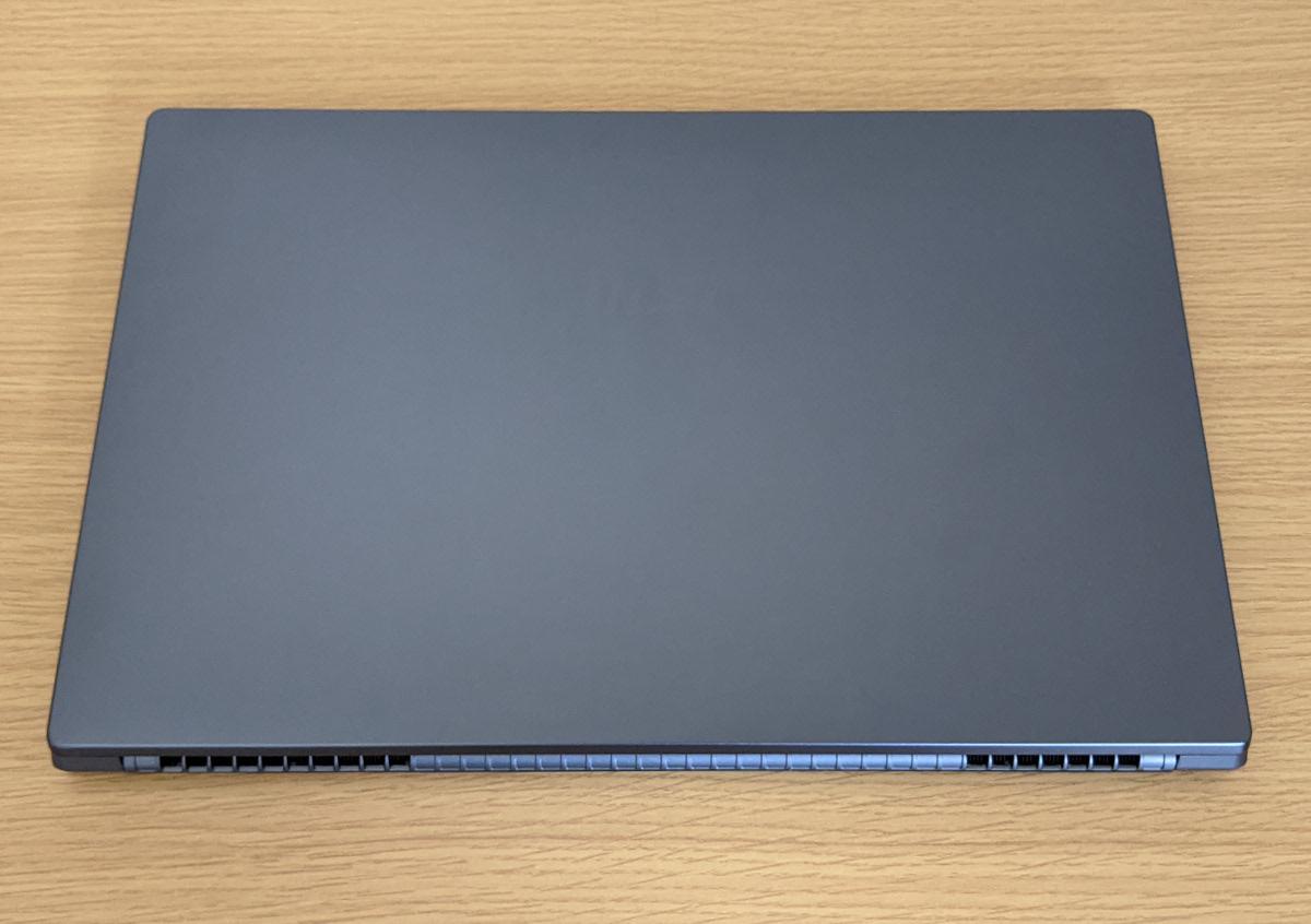 MSI Modern-15-A10M-478JP 天板